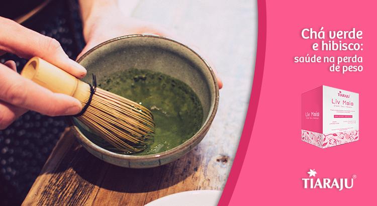 Chá verde e hibisco: saúde na perda de peso