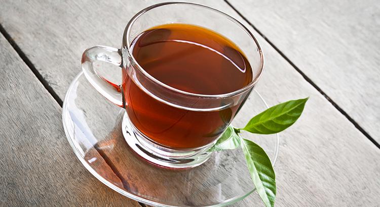 É possível emagrecer bebendo chá?